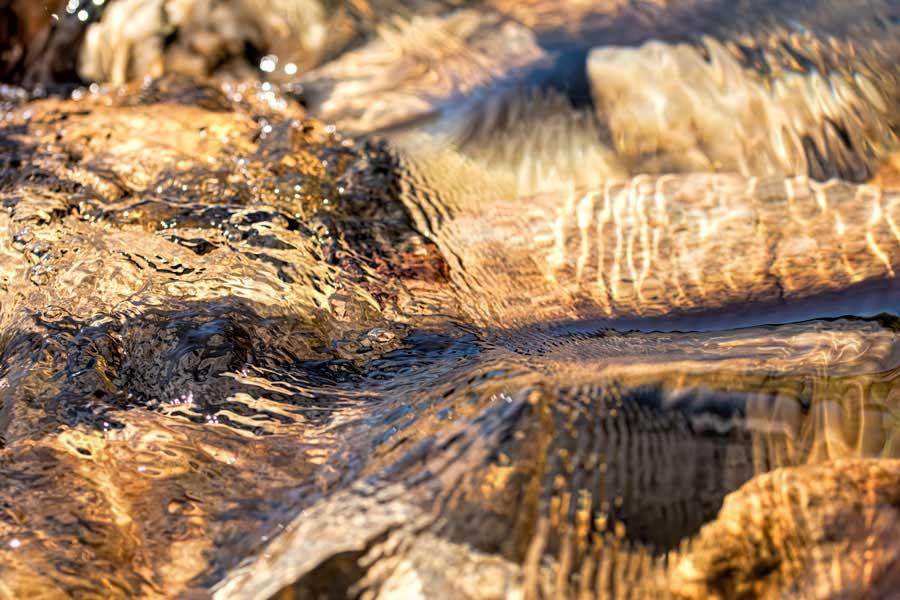 water-rivier-stromend-beweging
